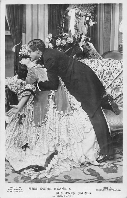 Miss Doris Keane & Mr. OWen Nares in Romance elegant Actors kissing scene
