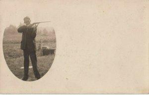 RP: PERKINSVILLE , Vermont, 1908 ; Boy with a gun