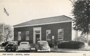 AUGUSTA, Kansas  KS    POST OFFICE  ca 1940s Cars   Postcard