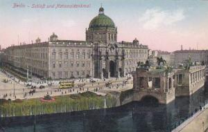Germany Berlin Schloss und Nationaldenkmal