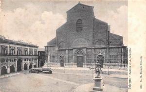 Italy Bologna Basilica di S. Petronio Statue Monument Tram Basilique