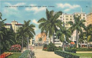 Miami Florida~Flagler Street From Bayfront Park~Fountain~Hedges~1940s PC