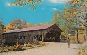 USA, A Picturesque Covered Bridge, unused Postcard