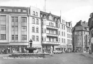 Halle Saale Eselsbrunnen auf dem Alten Markt Statue Auto Car Street Shops