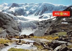 Pitztal Blick vom Fuldaer Hoehenweg auf Taschachhaus Wildspitze