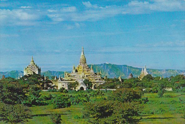 Mayanmar Burma Thatbyinnyu and Ananda Temples Pagan