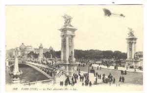 PARIS (VIII).-Le Pont Alexandre III , France, 00-10s Airplane