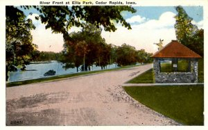 Cedar Rapids, Iowa - The River Front at Ellis Park - c1920
