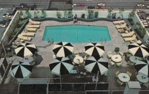 ST. LOUIS , Missouri , 50-60s; Lennox Hotel, Rooftop Swimming Pool