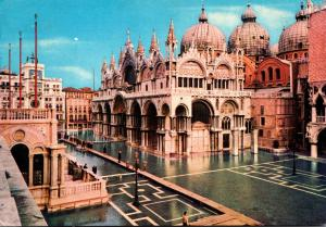 Italy Venezia Piazza San Marco 1974