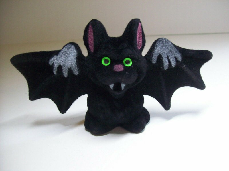 Halloween Vampire Bat Toy Fangs Green Eyes Flocked NOS 1960s Hong Kong Vintage