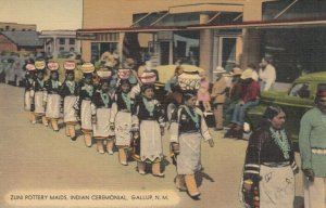 GALLUP , New Mexico, 30-40s; Zuni Pottery Maids , Main Street