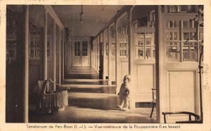 France Sanatorium de Pen-Bron Vue interieure de la Pouponniere (Les boxes) CPA