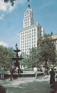 MEMPHIS , Tennessee , 50-60s ; Court Square, Columbia Mutual Tower