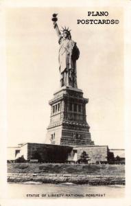 NEW YORK CITY, STATUE OF LIBERTY RPPC REAL PHOTO POSTCARD