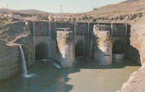 HUDSON HOPE , B.C. , Canada , 1967 ; Peace River Dam
