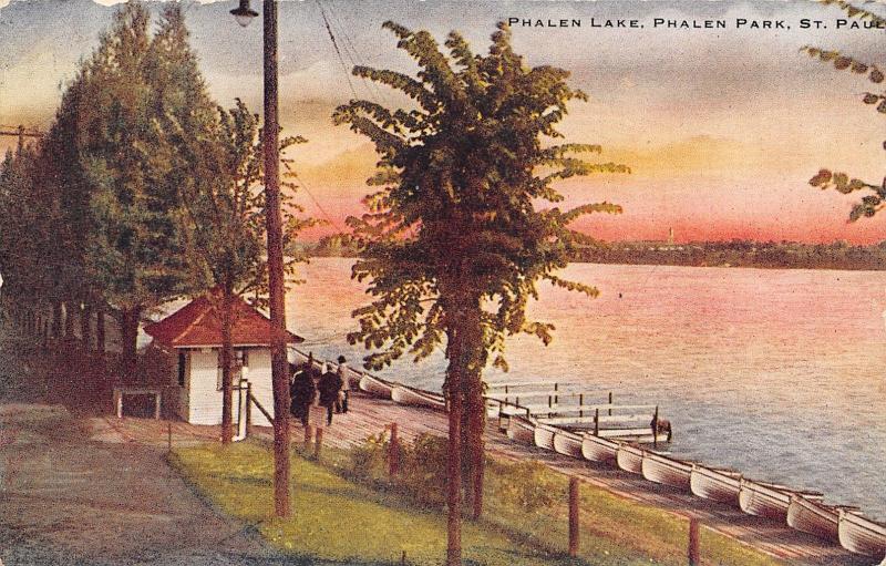 St Paul Minnesota~Phalen Lake Park Boat House~Line of Rowboats~Docks