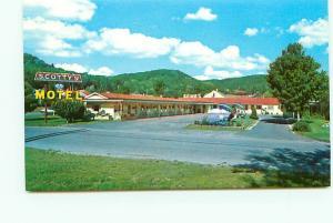 Postcard Michigan Munising Scottys Motel AAA Hotel Evergreen Lodge  # 3085A