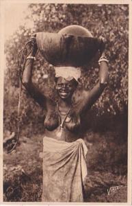 Africa Nude Topless Senegal Dakar La porteuse d'eau