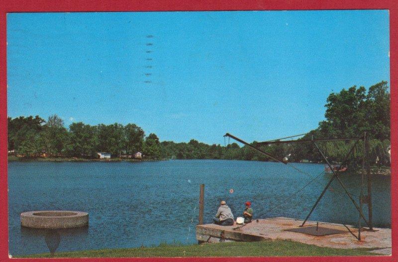 TWIN LAKES  TOURIST CENTER, PARIS, IL 1983  (196)