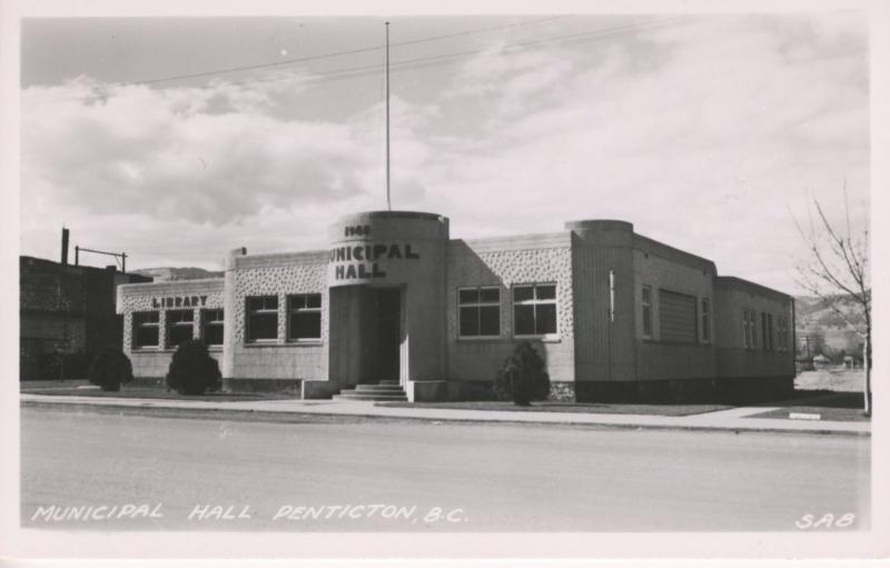 Penticton BC Municipal Hall Library Vintage Real Photo Postcard E6