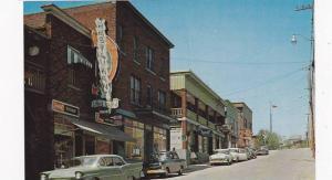 Le Rue Angus , dans le Centre Commercial , EAST ANGUS , Quebec , Canada , 50-60s