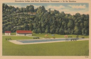 GATLINBURG, Tennessee, 30-40s; Greenbrier Lodge and Pool