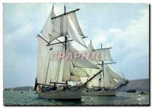 Postcard Modern Boat The star and the Belle Poule sailing full sail