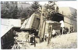 St. Albans VT RR Train Wreck Crowd Canadian Pacific Real Photo RPPC Postcard 5