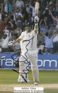Ashley Giles Warwickshire Cricket Large Hand Signed Photo