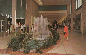 PHOENIX , Arizona , 50-60s ; Thomas Mall , Interior
