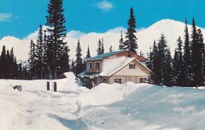 Halfway Lodge deep in snow, Summit of Pine Pass, Hart Highway, British Columb...