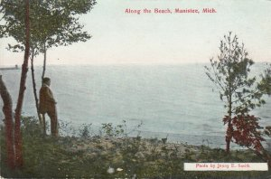 MANISTEE , Michigan , 00-10s ; Along the beach