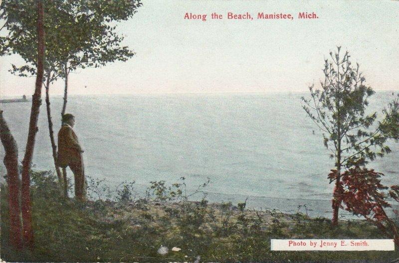 MANISTEE , Michigan , 00-10s ; Along the beach