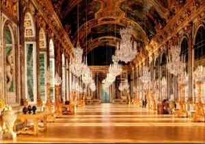 Chateau de Versailles La Galerie des Glaces Hall Of Mirrors