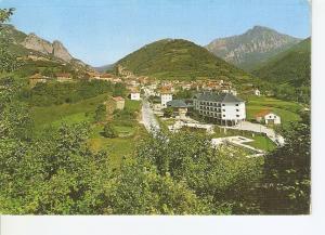 Postal 028631 : Isaba - Pirineo Navarro, vista general y nuevo hotel, al fond...