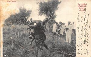 Belgian Congo Belge un pugilat Bacotje natives fighting Postcard
