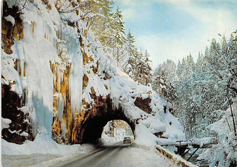 Das Ramsauer Tor Tunnel Road Auto Car Winter Forest