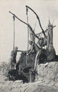 LUXOR , Egypt , 1900-10s ; Shadouf on the Nile