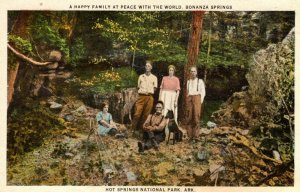 Hot Springs, Arkansas - A Happy Family at Bonanza Springs - Peace with the World