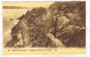 POINTE DU RAZ, Rochers de i'Enfer de Plogoff, Finistere, France, 00-10s