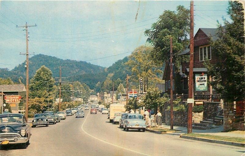 Gatlinburg TN~Standard Oil~Whittle Drug Store~Edgepark Motel~NICE 1940-50s Cars