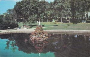 The Madonna of the Lake, CAP DE LA MADELEINE, Quebec, Canada, 40-60´s