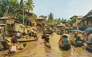 Thailand Dhornburi Floating Market Scene