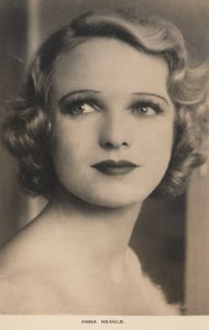 RP: Actress Anna Neagle , 30-40s