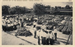 TARPON SPRINGS , Florida , 1930s ; Auction Day at the Sponge market