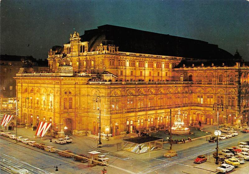 Wien Staatsoper bei Nacht, The Oepra House by Night Vintage Cars Auto