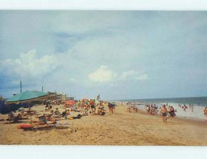 Unused Pre-1980 SCENE AT BEACH Rehoboth Beach Delaware DE M6798@
