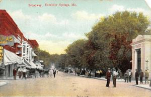 Excelsior Springs MO~Broadway~Banks~Drugs~Where They Cure Them in Bunches~1909