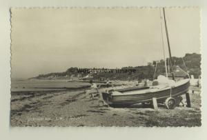 iw0137 - Gurnard Bay , Isle of Wight - postcard by Dean